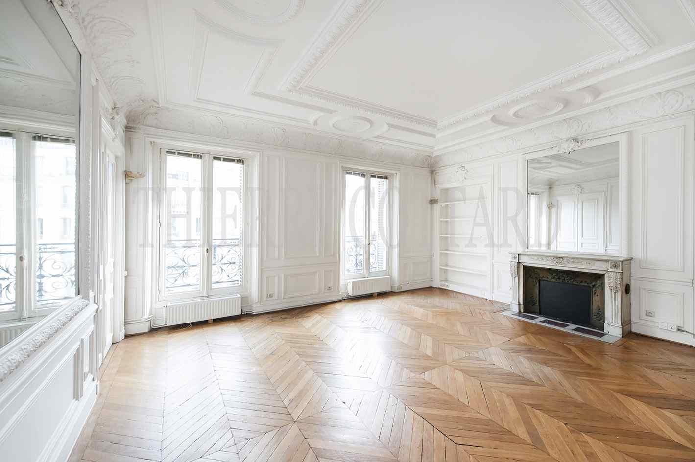 paris 75009 bureaux a louer 230 m. Black Bedroom Furniture Sets. Home Design Ideas